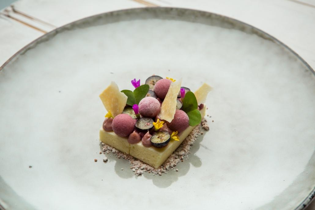 LivingRoom_Blackberry-yoghurt-white-chocolate