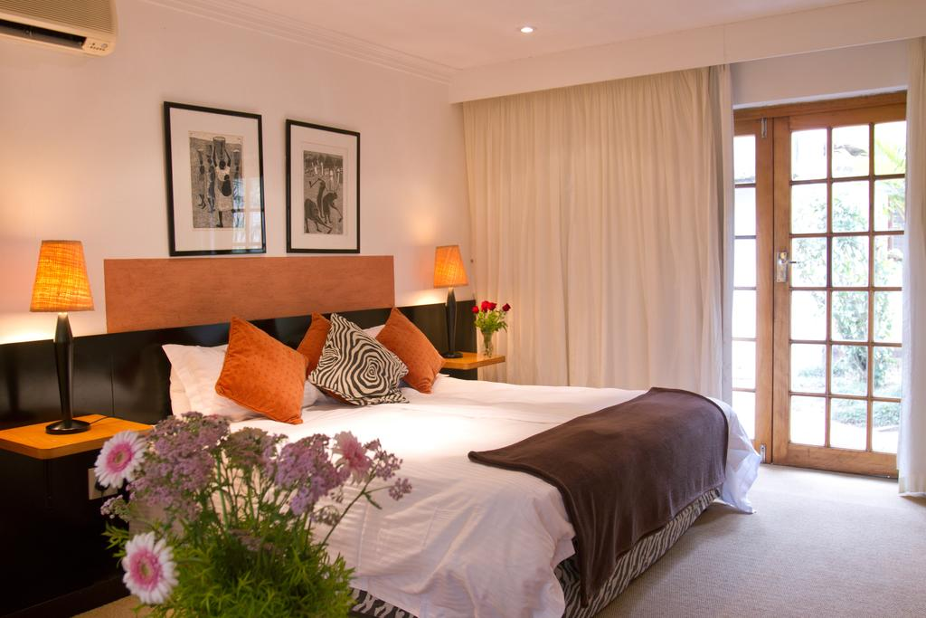 Summerhill Estate in Cowies Hill – a Culinary Retreat - Luxury Room